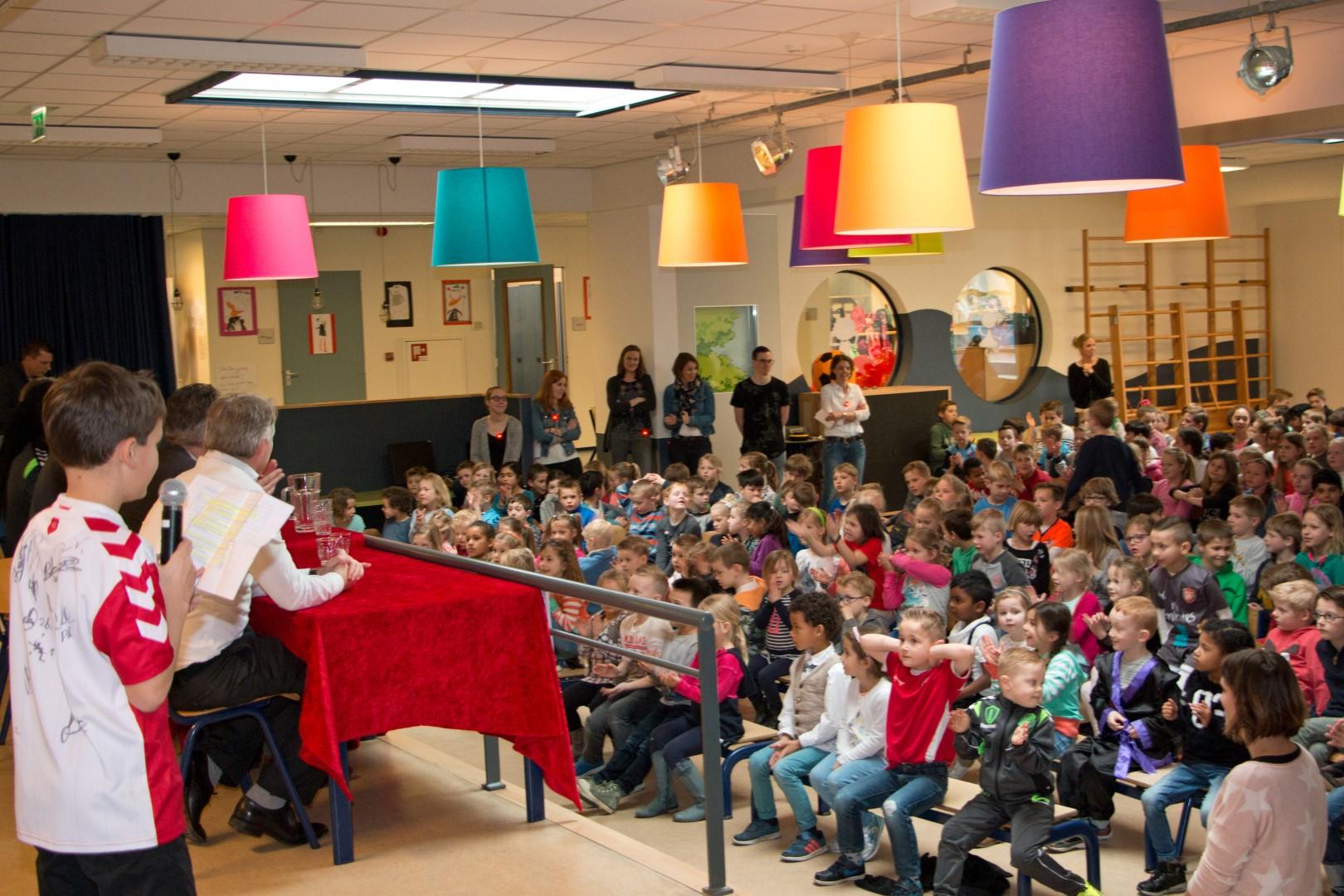 Basisschool De Fontein.Fc Utrecht Geeft Gastles Op Basisschool De Fontein Onshouten