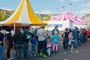 "Magic Circus presenteert ""Te Koop"""