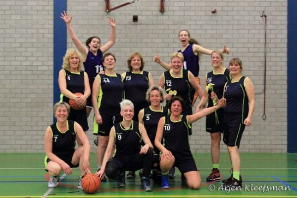 Woodpeckers Dames-1 kampioen!